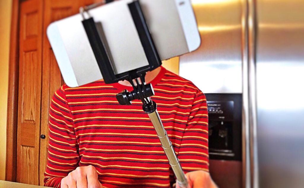 Trucs et astuces pour se filmer avec son smartphone.